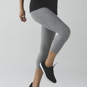 LULULEMON wonder under HR 7/8 length